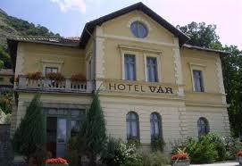 Vár Hotel